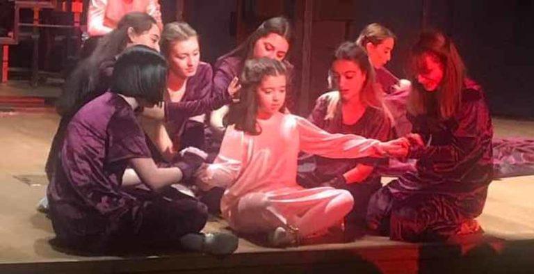 'Küllerinden Doğan Kadınlar' İstanbul'da sahnelendi