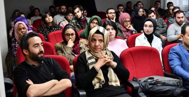 'Tunus devriminde sosyal medya işlevsel olarak kullanıldı'