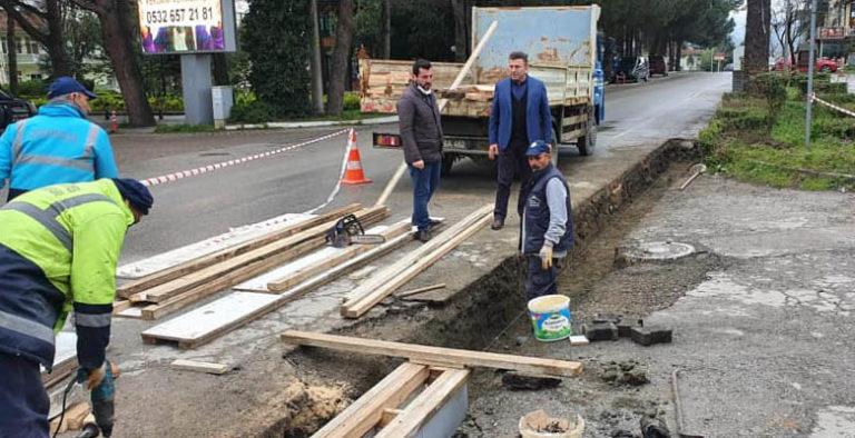 Sapanca'da yol genişletme ve yağmur suyu kanal çalışmaları devam ediyor
