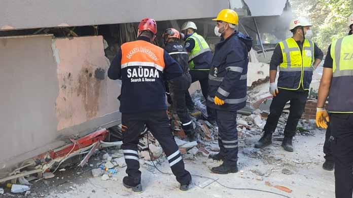 SAÜDAK Ekibi İzmir'de arama kurtarma çalışmalarına başladı