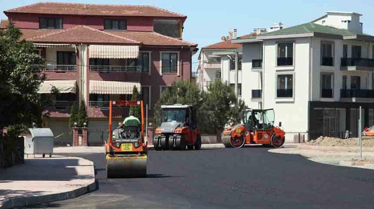 Erenler Bağlar Caddesi'nde sıcak asfalt çalışmaları başladı